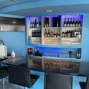 girl's bar charmant