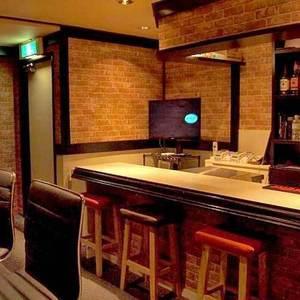 Girl's Bar Campus LIFE