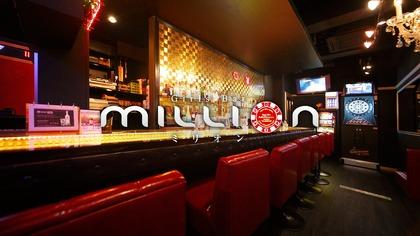 ミリオン 5条通店(札幌市 すすきののガールズバー)