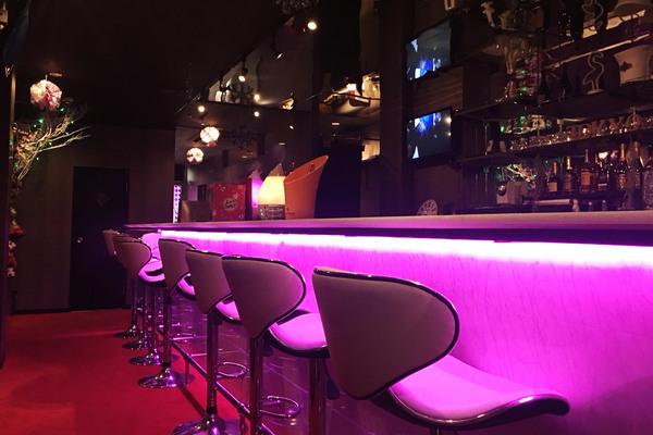 GIRLS CAFE & BAR Tokyo Lit